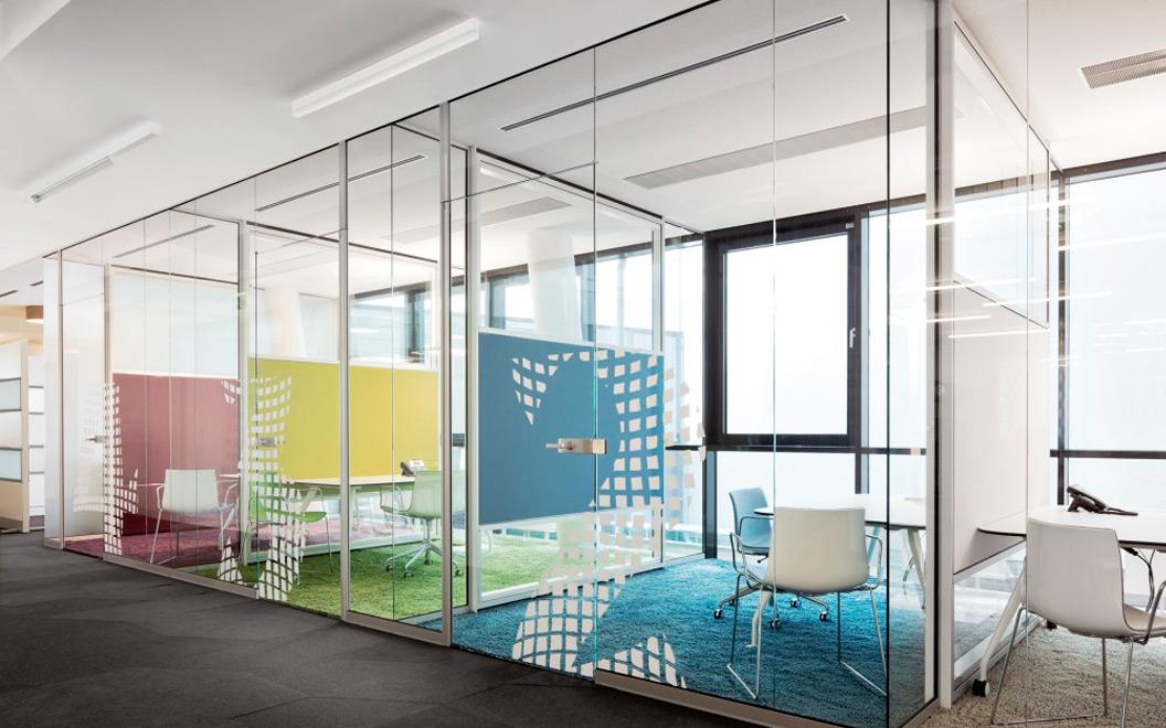 перегородки офисные из стекла